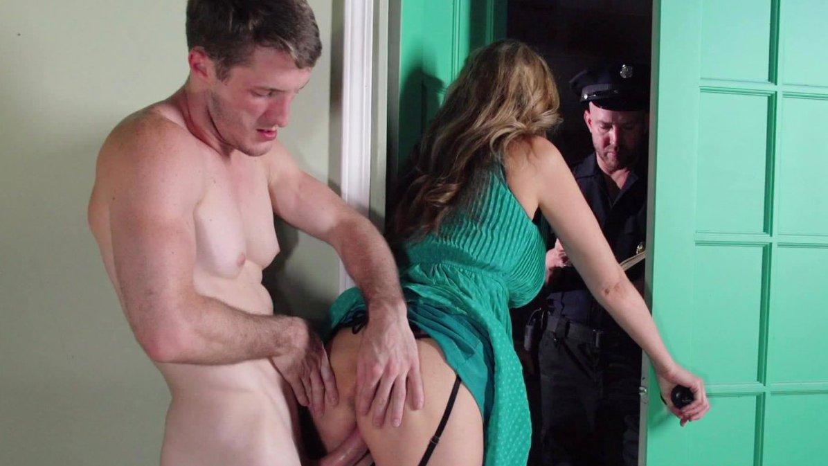 Guy gets fucked answering door Behind Closed Doors With Julia Ann Milf Fox