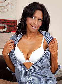 Sophia Smith Biography Free Videos & Photos Famous Busty Pornstars ...